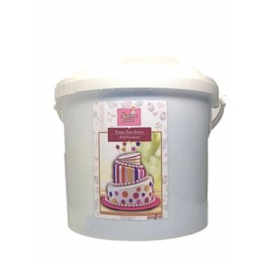 Pasta di zucchero per copertura Madam Loulou Bianca 5 kg - Madam Loulou in vendita su Sugarmania.it