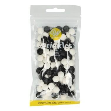 Decorazioni di zucchero palloni da calcio Wilton 56 g - Wilton in vendita su Sugarmania.it