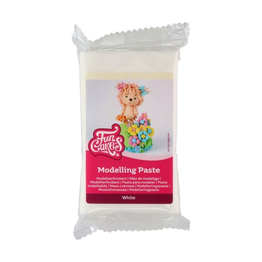 Modelling paste white FunCakes 250 g - Funcakes in vendita su Sugarmania.it